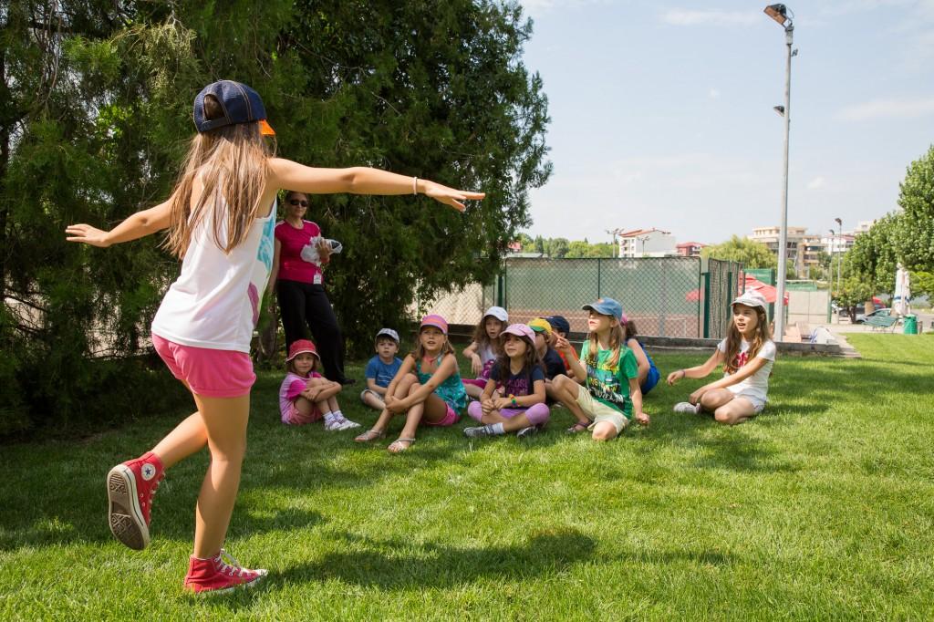 Copiii se bucura de vara la Summer Camp