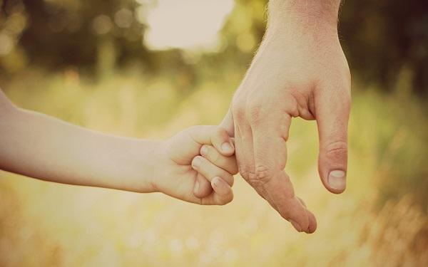 Iubirea este vitală în dezvoltarea inteligenţei emoţionale a copilului