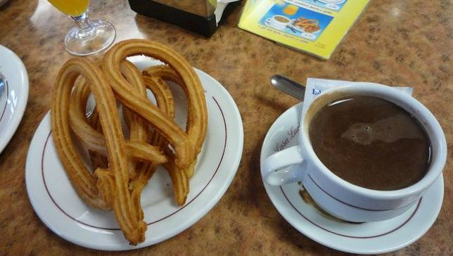 Spain-chocolate-con-churros