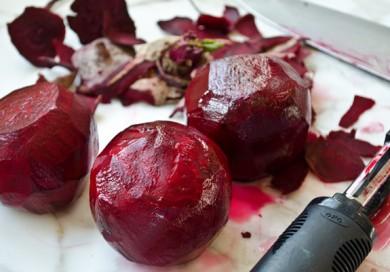 peeling-beets