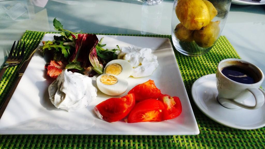 Mic-dejun pe note libaneze
