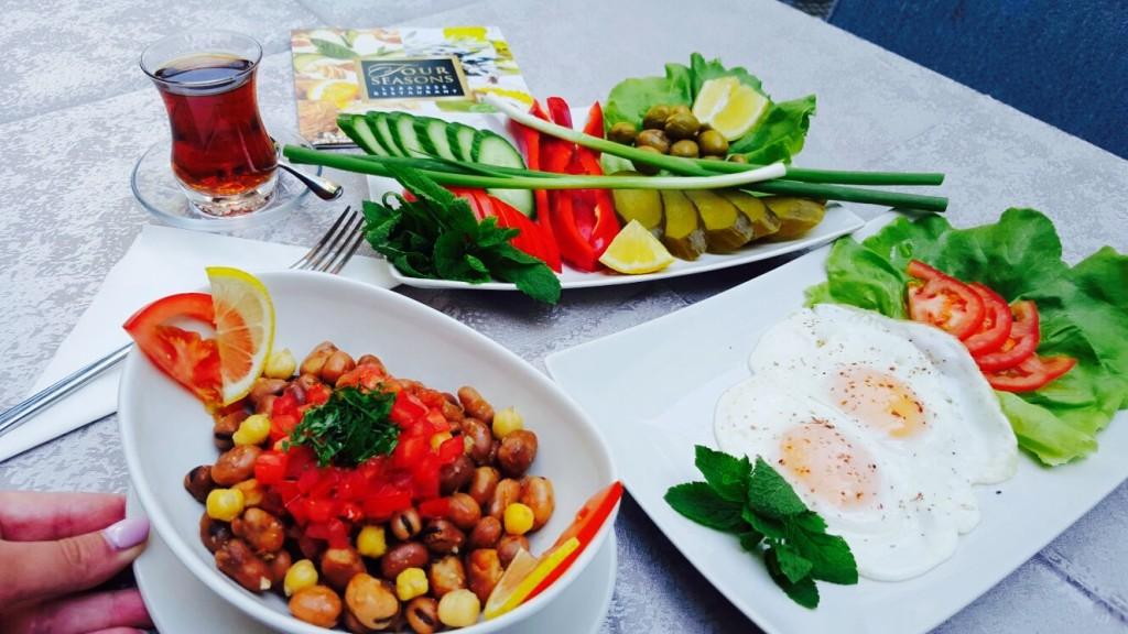 Mic-dejun libanez....à la carte