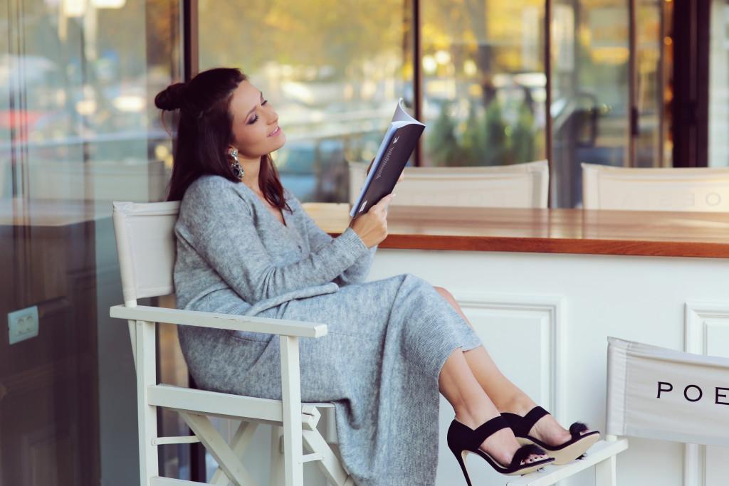 Ce mai citesc adolescenții? Paralelă între cărțile copilăriei și adolescenței noastre și ale lor