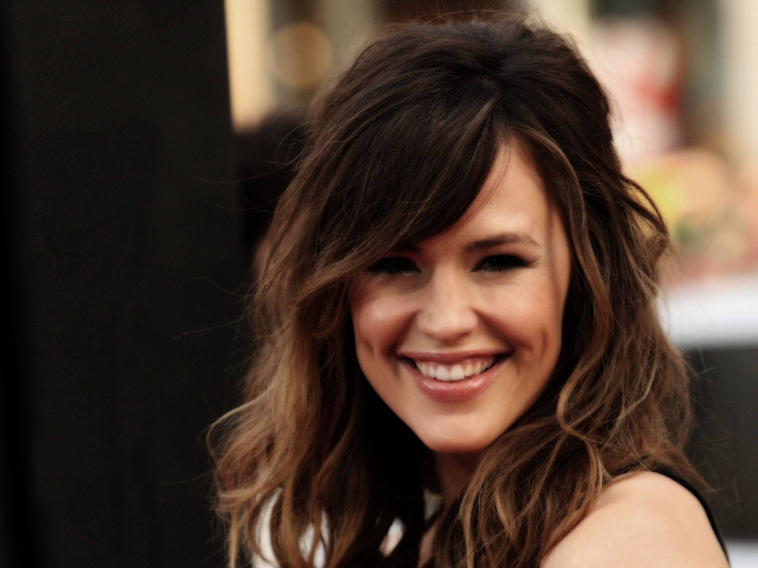 """HOLLYWOOD - APRIL 27: Actress Jennifer Garner arrives at the premiere of Warner Bros. """"Ghosts Of Girlfriends Past"""" held at Grauman's Chinese Theatre on April 27, 2009 in Hollywood, California. (Photo by Jason Merritt/Getty Images) *** Local Caption *** Jennifer Garner"""